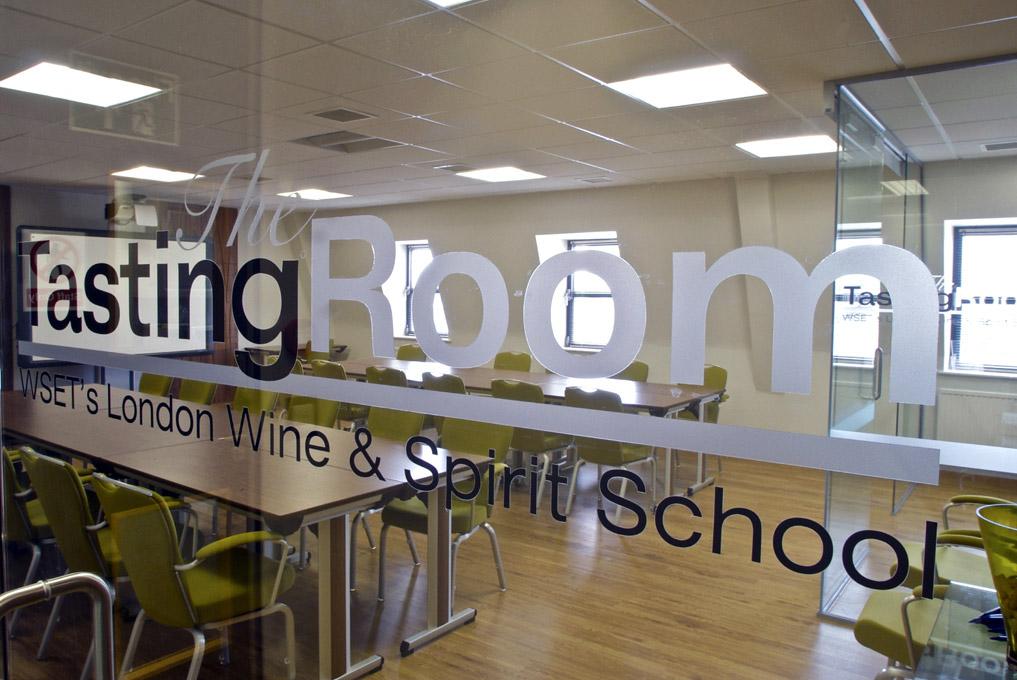 WSET - tasting room - Londyn