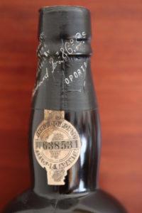 Andrzej Strzelczyk - Polish Wine Academy - butelka porto