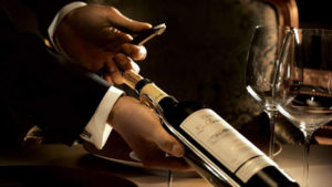 Serwis wina czerwonego polish wine academy